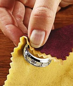 Как почистить украшения?