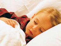 Ребенок скрипит зубами во сне. Что делать?