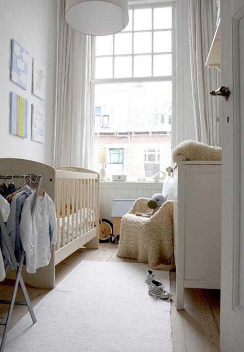 интерьер детской комнаты белый